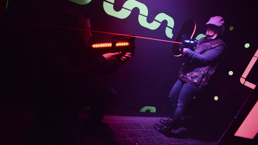 Scène de laser game en jeu