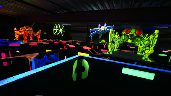 Le labyrinthe reagit au black light